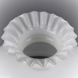 ancien-globe-opaline-blanche-collerette-17-5-cm