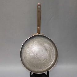 dehillerin-paris-vintage-copper-pan