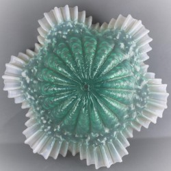 Ancienne-suspension-opaline-verte-et-blanche