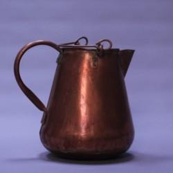 Ancien-pichet-en-cuivre