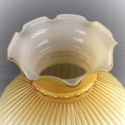 globe-opaline-jaune-d-or-décor-stries-et-volants-vintage-luminaire