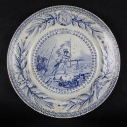assiette-parlante-creil-montereau-porcelaine-opaque