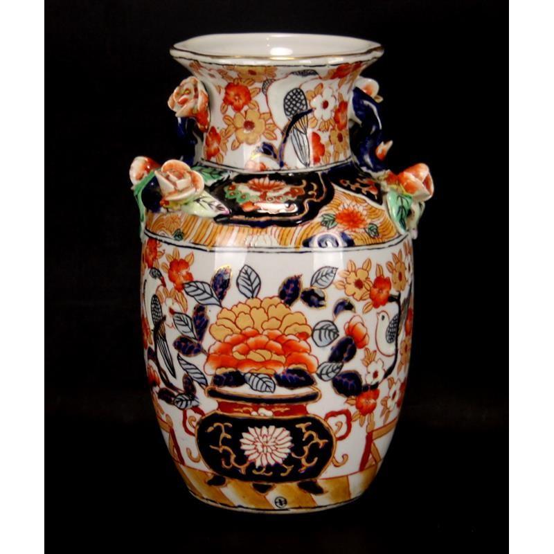 vase-en-porcelaine-peint-à-la-main-pour-adèle-curcy
