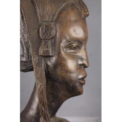 Buste de Femme Africaine en Bois