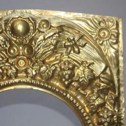 antique-french-pediment-clock