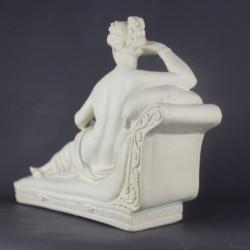 venus-deesse-victrix-statuette-en-platre-vernis