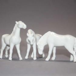 Chevaux-en-porcelaine-anciens