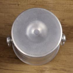 Plat ovale en terre de fer