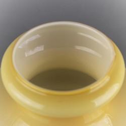 abat-jour-suspension-jaune-en-verre-opaline