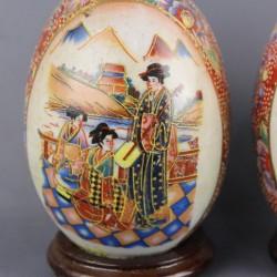 porcelaine-japonnais-paire-d-oeufs-ancien