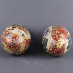 ancienne-paire-d-oeufs-en-porcelaine-japonnais-