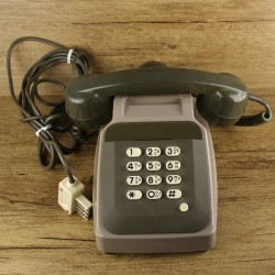 telephone-a-touches-vintage